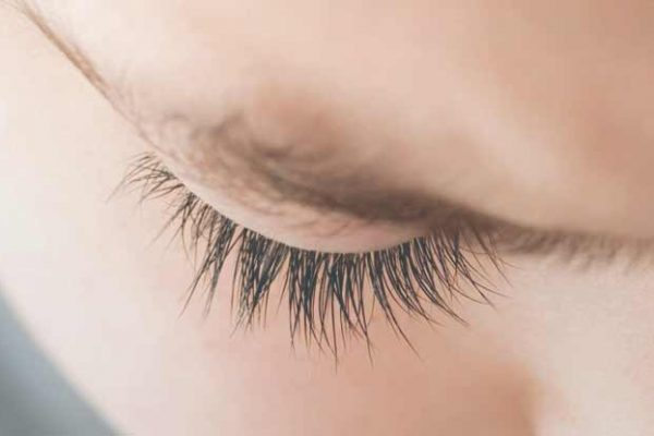 Eyebrow Dandruff Causes and Treatment