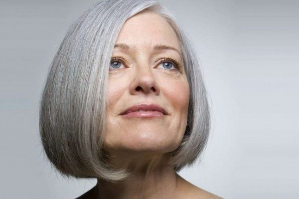 Short Hairstyles for Women Over 60 (New Guide)