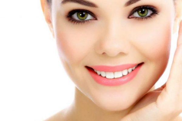 20 Best Essential Oils for Skin Whitening