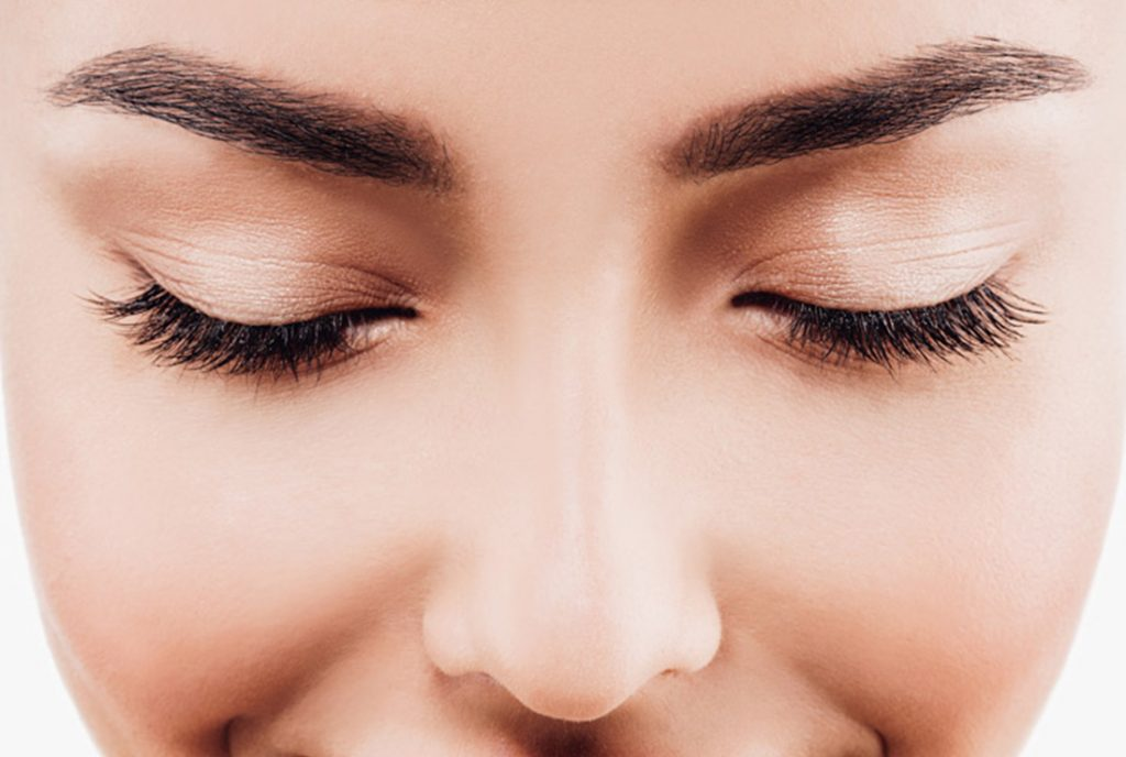 What is eyelash tinting