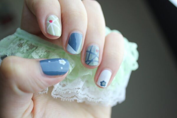 Natural Nails – How to Form the Perfect Acrylic Nail Shape?